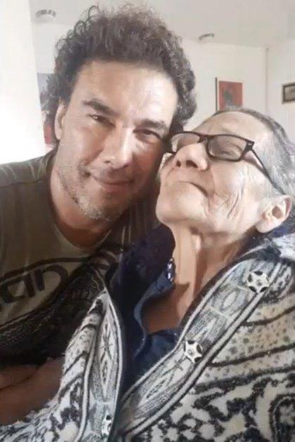 El actor expresó en varias ocasiones el amor que tenía por su mamá (IG: eduardoyanezof)