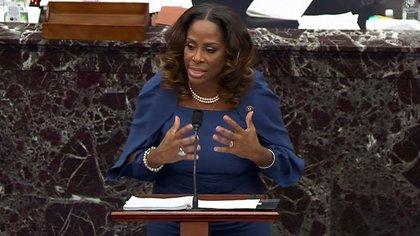 Stacey Plaskett, demócrata por Virgin Islands. U.S. Senate TV/Handout via Reuters