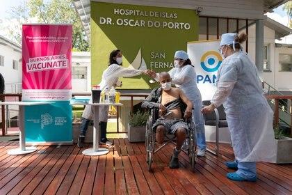 En gran parte del país aún quedan adultos mayores por vacunar (Foto: Franco Fafasuli)