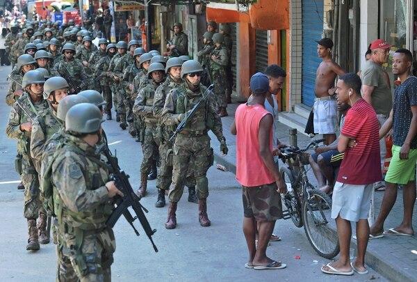 Militares en Rocinha, la mayor favela de Río de Janeiro (AFP)