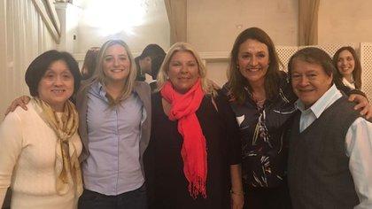 """Alicia Terada, Lucila Lehmann, Elisa Carrió, Marcela Campagnoli y Héctor """"Toty"""" Flores"""