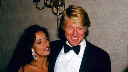 Sonia Braga y Robert Redford en 1988 (The Grosby Group)