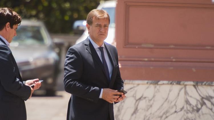 El gobernador de Mendoza, Rodolfo Suárez, en una de las reuniones en la Casa Rosada. (Adrián Escandar)