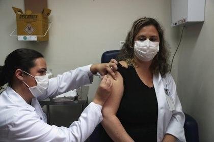 Los investigadores dijeron que el estudio es prometedor, pero advirtieron que la vacuna hasta ahora solo se ha estudiado en ratones (REUTERS)