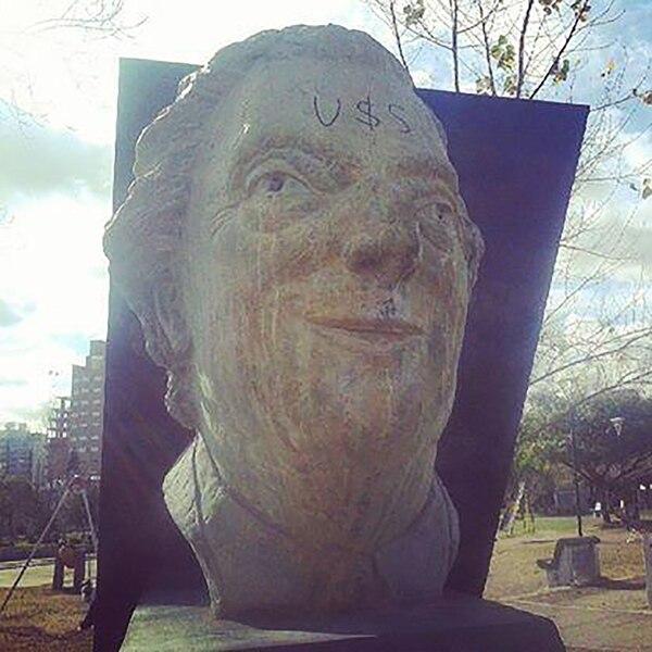 Busto en Lanús
