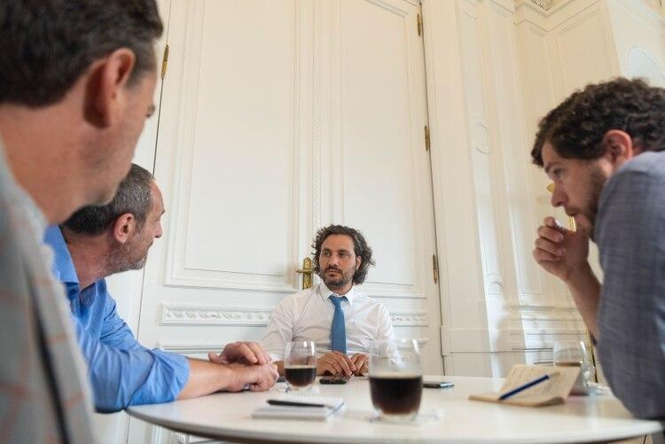 Santiago Cafiero durante la entrevista con Infobae.