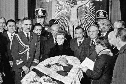 El velorio de Juan D. Perón se llevó a cabo en el Congreso Nacional.