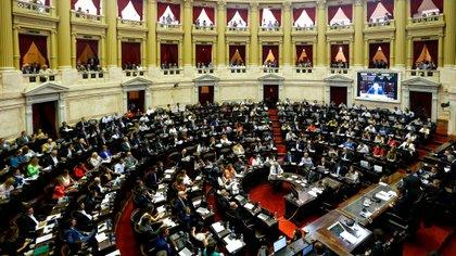 Diputados argentinos debaten ley que conforma nuevo cálculo de jubilaciones