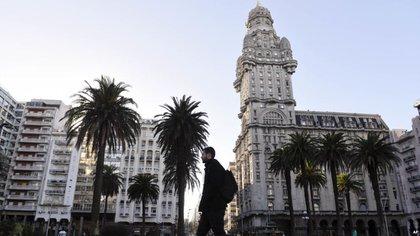 Montevideo también recibió más visitantes de la Argentina (AP)