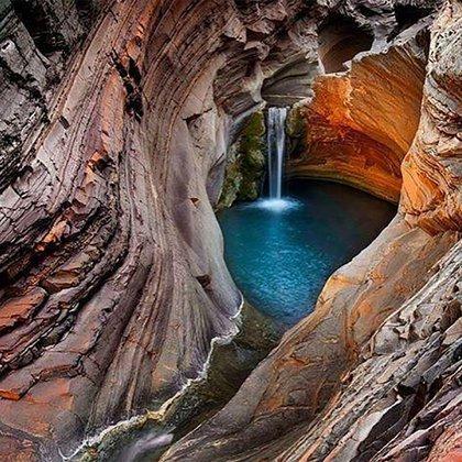 El parque nacional de Karjini tiene increíbles cataratas y cuevas naturales (@earth_world_pic)
