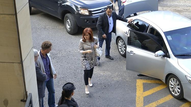 Cristina Kirchner, en uno de los días que le tocó declarar en Comodoro Py (Gustavo Gavotti)