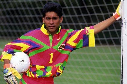 Manuel Lapuente Díaz, director técnico del Tri en aquella época, fue quién le dio el papel de titular del arco azteca a Jorgito, por lo que disputó todos los partidos del torneo (Foto: ALLSPORT/David Leah)
