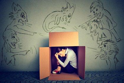Los jóvenes no saben decir que no por miedo al qué dirán (Shutterstock)