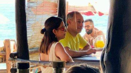 Las fotos de López-Gatell de vacaciones causaron ira entre la ciudadanía (Foto: Twitter / @sinreservas620)