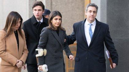 Cohen llegó acompañado de su familia (AFP)