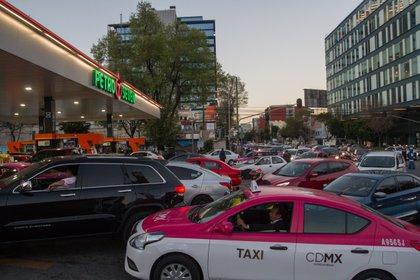 Otro de los objetivos es identificar a las estaciones de servicio que compran gasolina robada (Foto: Cuartoscuro)