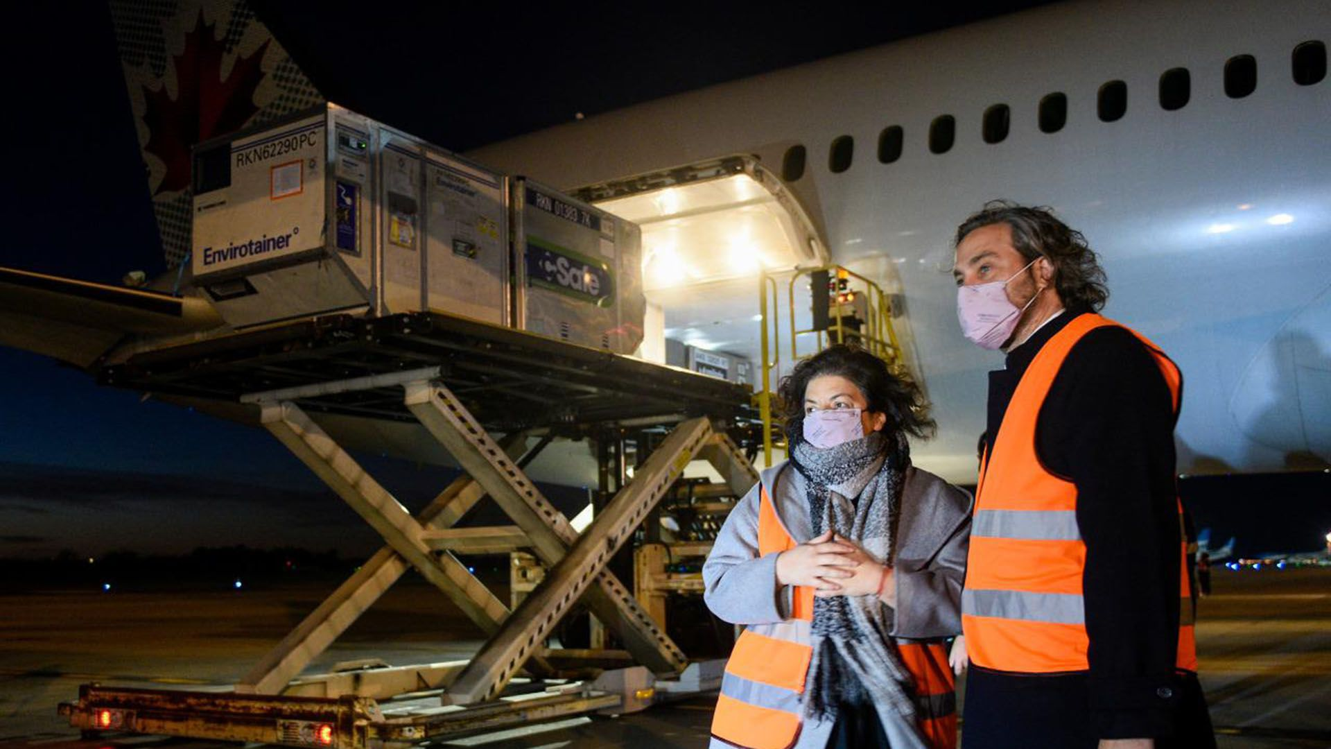 llegada vuelo dosis de la vacuna de Oxford AstraZeneca Carla Vizzotti Santiago Cafiero