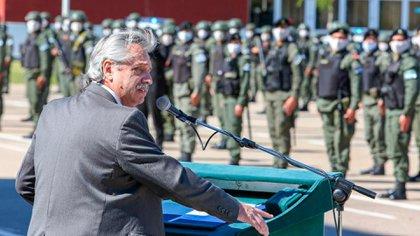 Alberto Fernández durante un acto con miembros de Gendarmería Nacional