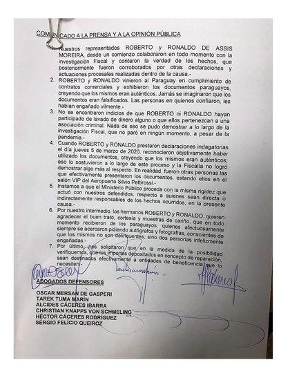 El comunicado de los abogados de Ronaldinho y Roberto tras la liberación de ambos (@OsvaldoCaceres)
