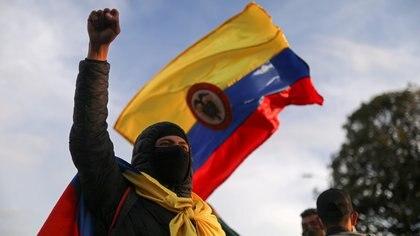 El castrochavismo repite su método con golpe de estado en Colombia