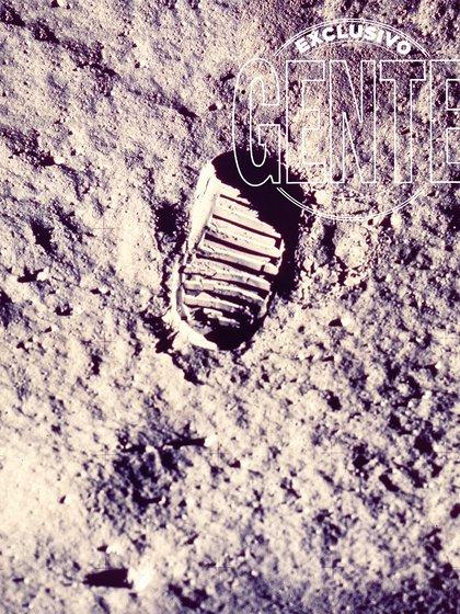 La bota de Aldrin registrada por la cámara de 70 milímetros de Armstrong. Quien no pisó la Luna fue Collins, el mismo que curiosamente sufría claustrofobia dentro de su traje espacial de 127,45 kilos. Mientras Aldrin (foto) y Armstrong exploraban la superficie, Michael recorría la órbita por el lado oscuro del satélite terrestre.