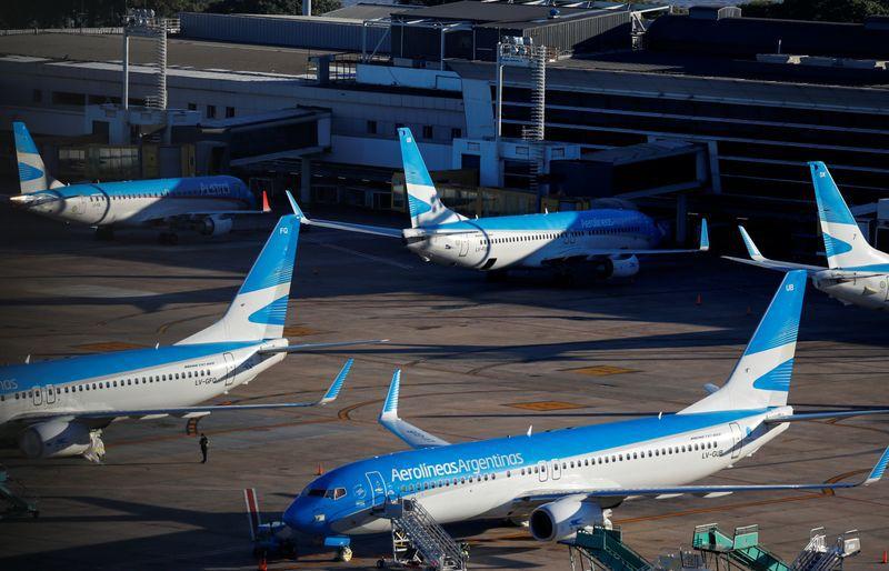 El Gobierno autorizó el regreso de los vuelos de cabotaje (REUTERS)