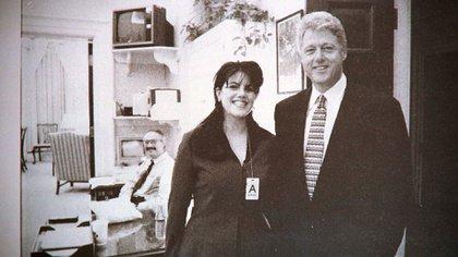Monica Lewinsky, de 22 años, fue culpada por la relación que tuvo con el presidente estadounidense (Shutterstock)