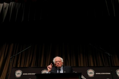 U.S. 2020 Democratic presidential candidate and U.S. Senator Bernie Sanders (I-VT), speaks at the 2019 National Action Network National Convention in New York, U.S., April 5, 2019.  REUTERS/Lucas Jackson