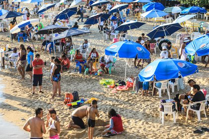 La Secretaría de Turismo planteó diversos escenarios económicos para las próximas vacaciones (EFE)