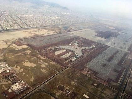 La construcción del aeropuerto en Texcoco, Estado de México, del Nuevo Aeropuerto Internacional de la CIudad de México (NAICM), fue detenida y actualmente sufre de inundaciones (Foto: ISABEL MATEOS /CUARTOSCURO.COM)
