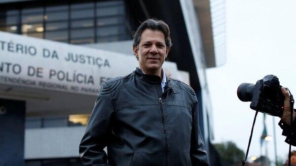 Fernando Haddad es el compañero de fórmula de Lula (Reuters)