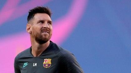 Lionel Messi se debate si seguir o no en Barcelona (Manu Fernandez/ Pool vía Reuters)