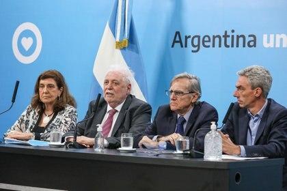 Ángela Gentile, Ginés González García, Eduardo López y Mario Meoni