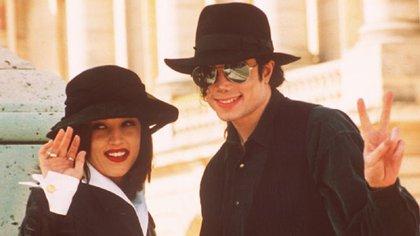 El matrimonio duró solo 20m meses. Ahora la hija de Elvis asegura que publicará sus memorias con detalles inéditos de la intimidad de su relación con el Rey del pop (AP)