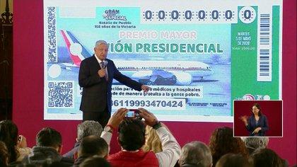 El presidente Andrés Manuel López Obrador insiste en rifar el lujoso avión presidencial (Foto: Captura de pantalla)