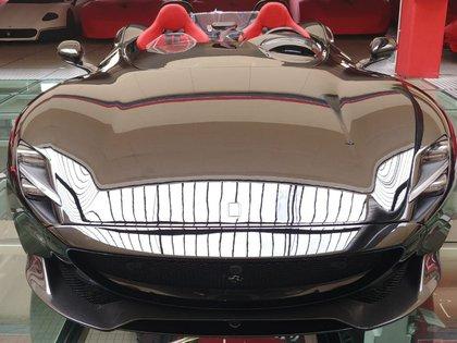 El Ferrari Monza SP2: Cristiano se habría llevado dicho modelo pero en color rojo característico de Ferrari