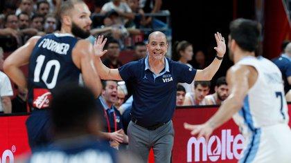 Sergio Hernández, el líder del equipo desde el banco (Reuters)