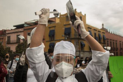 Trabajadores del sector restaurantero se manifestaron en la Ciudad de México (Foto: Cuartoscuro / Victoria Valtierra)