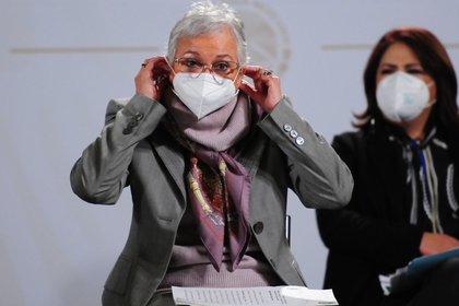 A pesar de que AMLO se niega a usarlo, miembros de su gabinete si portan cubrebocas, a veces incluso en su presencia (Foto: Daniel Augusto/ Cuartoscuro)