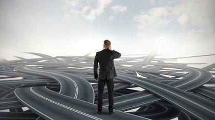La toma de decisiones, ¿qué dirección seguir? (iStock)