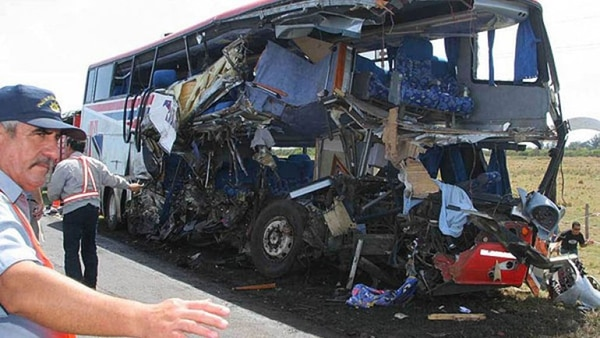 En el accidente murieron nueve adolescentes y una docente