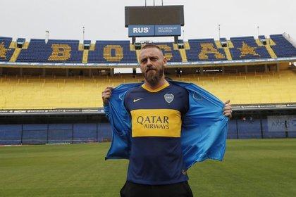 El italiano pidió 100 camisetas de Boca con el número 16 para regalarle a sus amigos