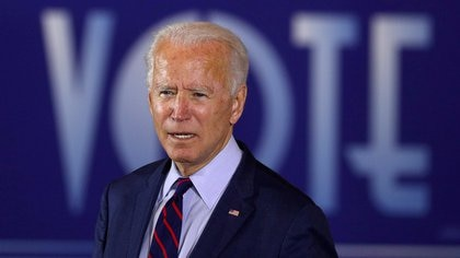 FILE PHOTO: U.S. Democratic presidential candidate Joe Biden delivers remarks at a Voter Mobilization Event campaign stop at the Cincinnati Museum Center at Union Terminal in Cincinnati, Ohio, U.S., October 12, 2020.  REUTERS/Tom Brenner/File Photo