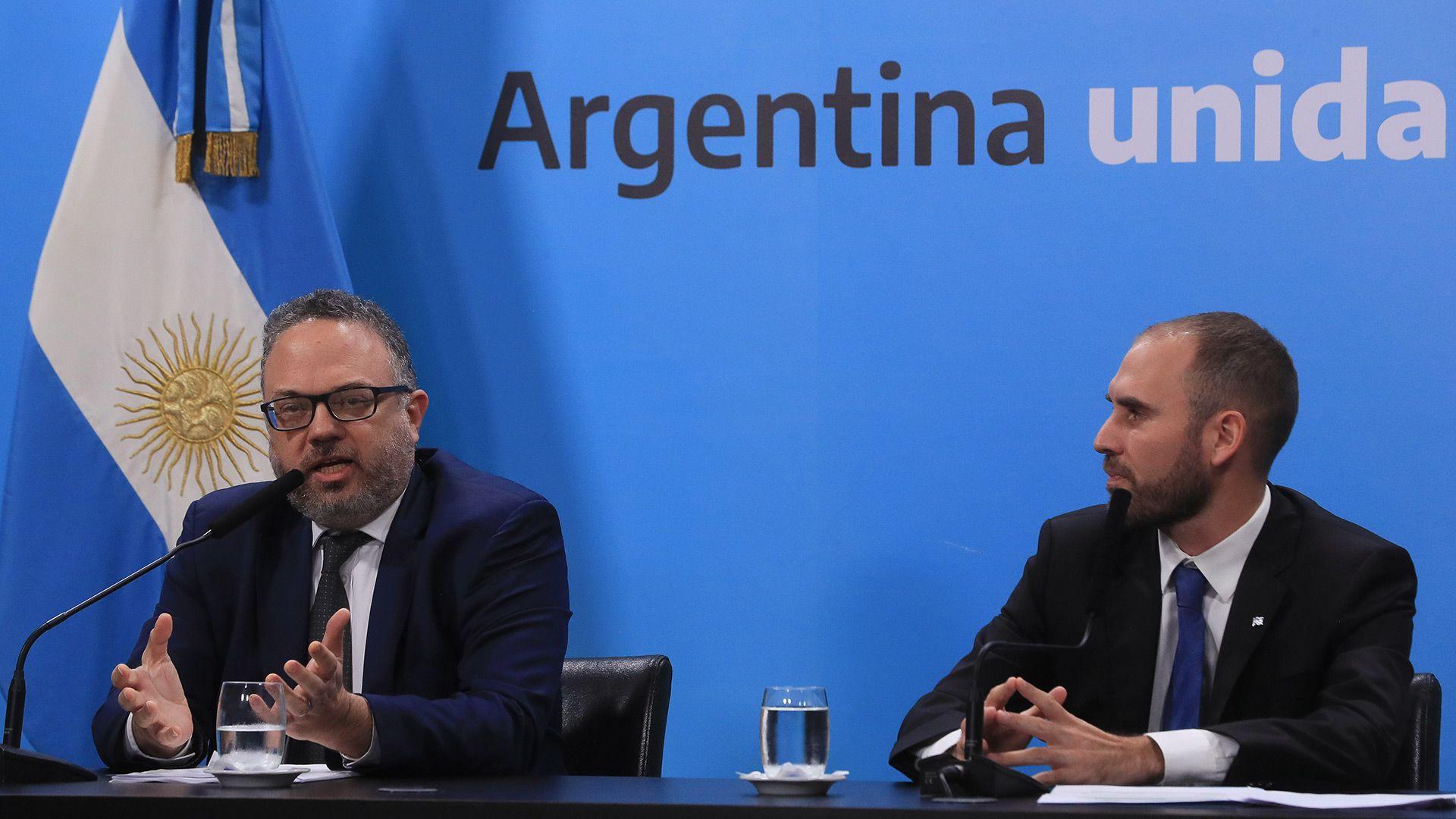 Los ministros Martín Guzmán y Matías Kulfas anunciaron medidas de alivio impositivo que todavía no se pusieron en marcha