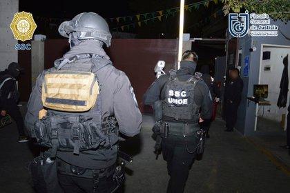 Don Agus fue detenido en la Ciudad de México con ocho de sus presuntos colaboradores (Foto: SSC)