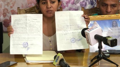 """La familia Lorío Navarrete denunció ante el Centro Nicaragüense de Derechos Humanos que las autoridades de salud establecieron """"sospecha de suicidio"""" en el acta de defunción del bebé Teyler Lorío."""