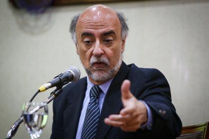 En la imagen, el ministro de Trabajo uruguayo, Pablo Mieres. EFE/Alejandro Prieto/Archivo