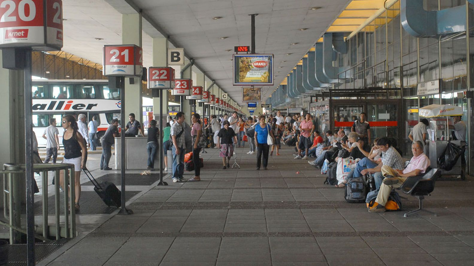 En el protocolo de la Comisión Nacional de Regulación del Transporte (CNRT) está definido que hay que dejar al pasajero en la terminal. Pero no todos concuerdan respecto de que esto pueda suceder