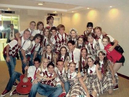 Así se disponía el elenco de Patito Feo a dar el último show de la gira en Managua. Al regreso al hotel Holiday Inn, ocurrió lo que Thelma relató.