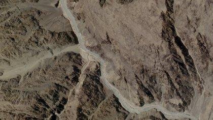 Esta imagen satelital, que fue tomada el 16 de junio de 2020 y publicada por Planet Labs, muestra el Valle de Galwan, que se encuentra entre el Tíbet de China y Ladakh de la India (AFP PHOTO / 2020 PLANET LABS, INC.)